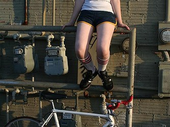Thank you to everyone for their pics submissions. We got a nice collection going from all around the world. Here are some samples of fixie/single speed chicks from all around...